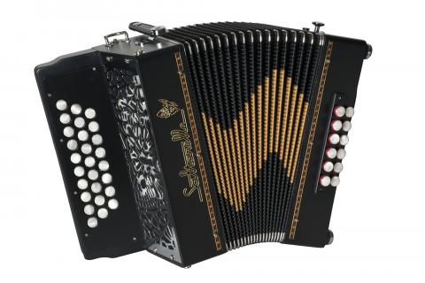 Cheviot :  Diatonic accordions with flat keyboard